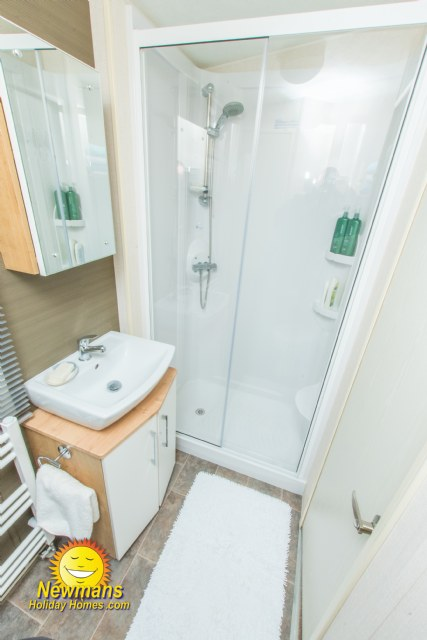 D63 - Shower Room