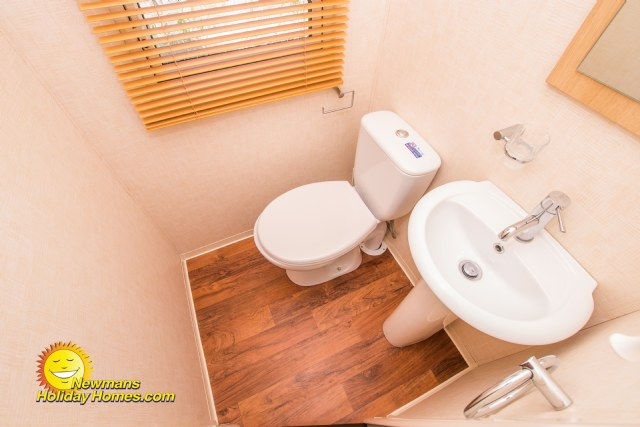 PF20 - En-Suite Bathroom